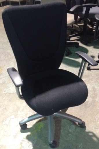 USED High-Back Fabric Executive Chair in Black