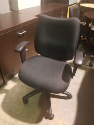 Pre-owned OTG task chair in Black fabric